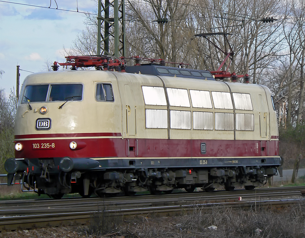 103 235-8 Lz in Gremberg am 02.04.2010