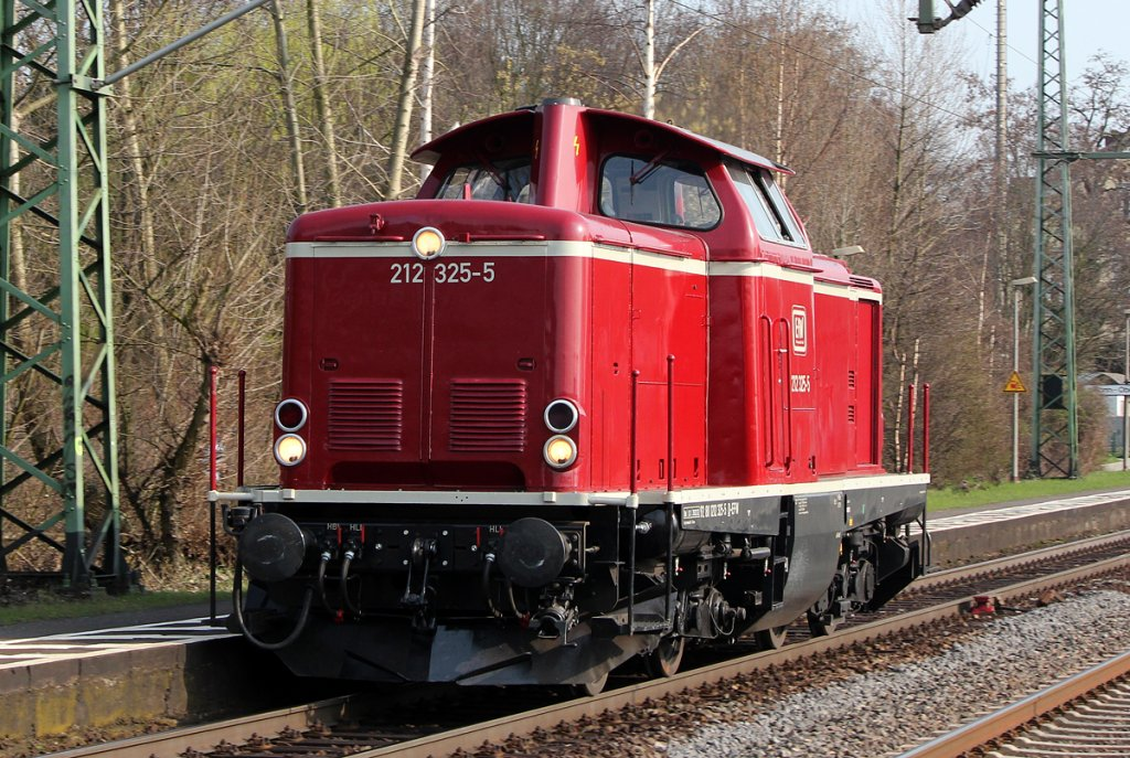 212 325-5 der EfW Lz in Bonn Oberkassel am 24.03.2012