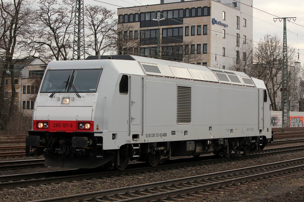 285 107-9 der HGK Lz in Köln West am 21.02.2012