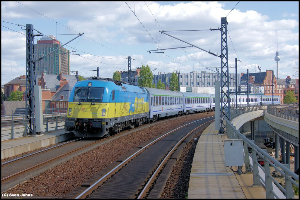 370 004-1 (PKP Intercity)  Ukraine  in Berlin-Hbf am 27.8.2012.