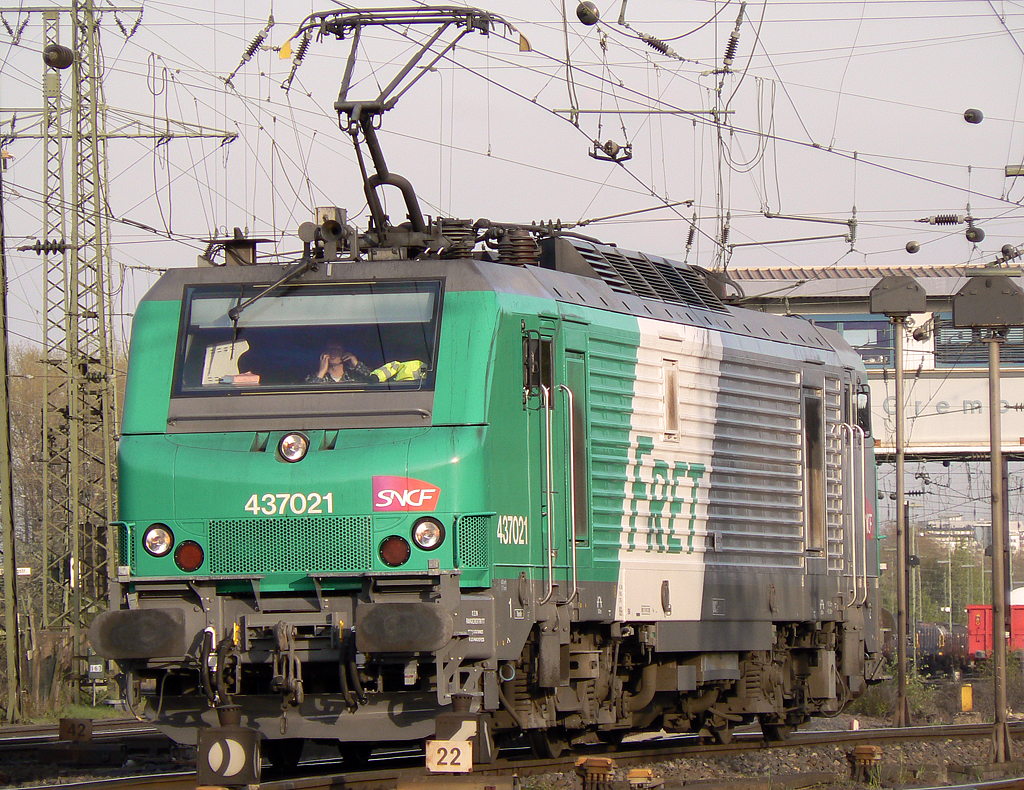 437021 der SNCF/FRET in Gremberg am 20.04.2010