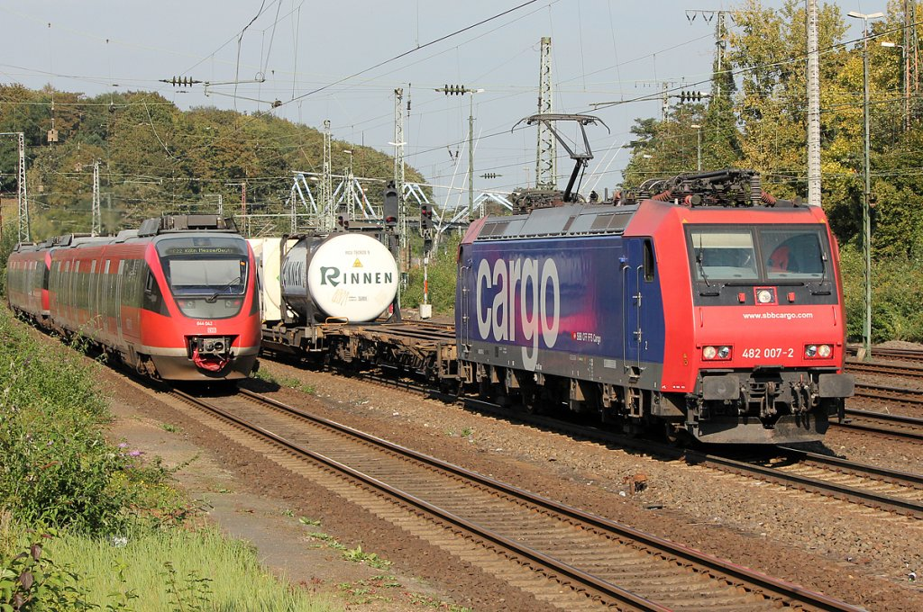 482 007-2 der SBB Cargo in Köln West am 24.09.2011