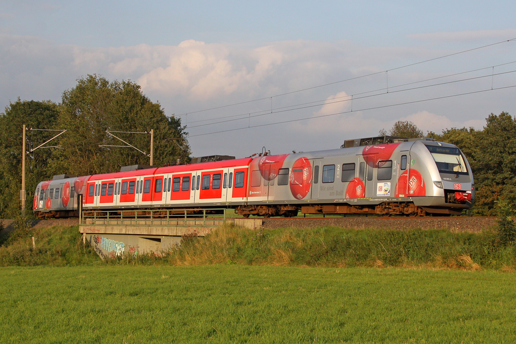 Der 422 061-2 als S9 nach Bottrop Hbf in Neviges am 15,09,11