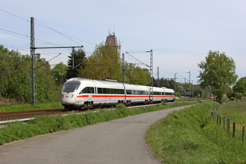 Der ICE-TD 605 504-9 / 605 004-1 in Brokstedt am 18,05,12
