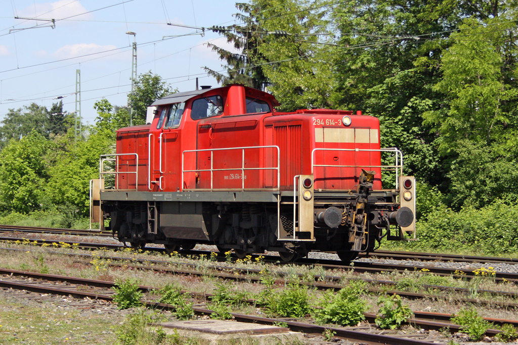 Die 294 614-3 in Ratingen Lintorf am 03,05,11