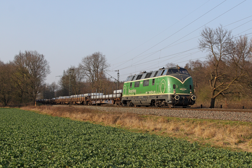 Die Brohltal V200 ( 220 053-3 ) in Ratingen Lintorf am 22,03,12