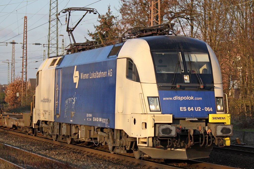 Die ES 64 U2-064 in Ratingen Lintorf , am 13,12,09