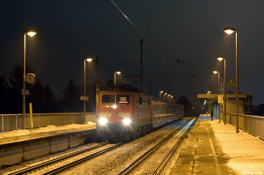 111 155-8 mit der S1 (Bochum Hbf - Dortmund Hbf) am 07.01.2017 in Dortmund-Oespel.