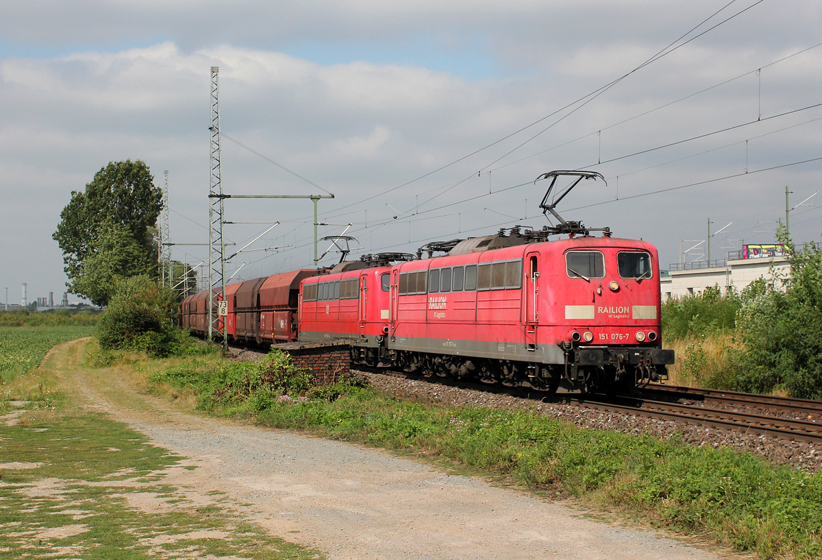 151 076-7 & 151 140-1 in Porz Wahn am 02.09.2013