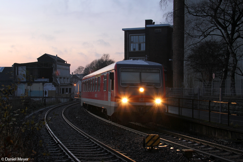 Der 928 507 in Remscheid Hbf am 14.12.2013