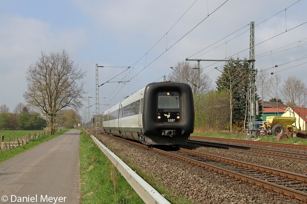 Der DSB IC3 5287 in Brokstedt am 05,05,13