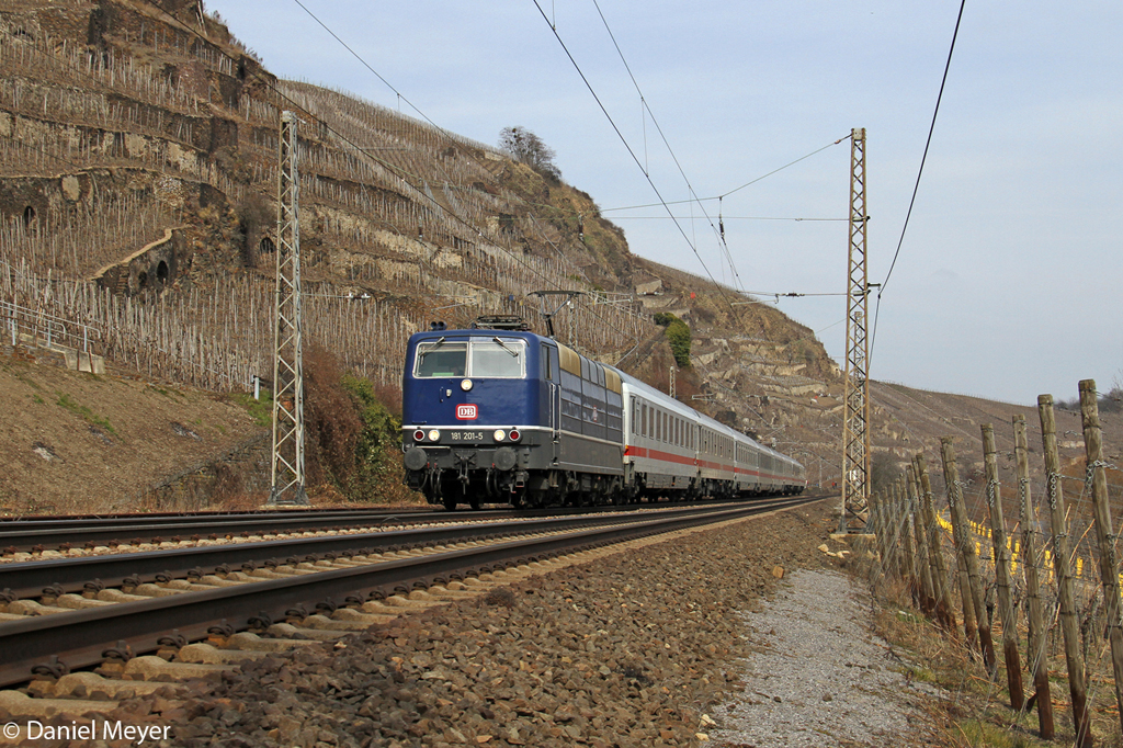 Die 181 201-5 in Winningen (Mosel) am 01,04,13
