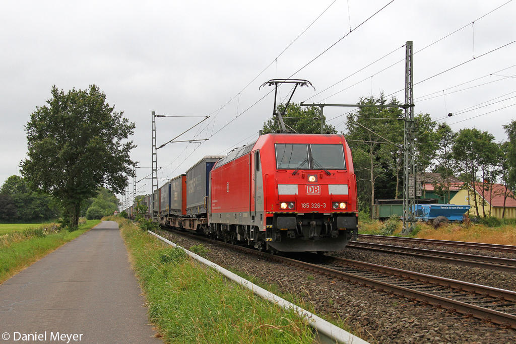 Die 185 326-3 in Brokstedt am 19.07.2013