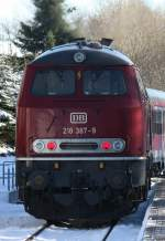 BR 218/118315/die-218-387-9-bei-der-ausfahrt Die 218 387-9 bei der Ausfahrt aus Usseln am 30.01.2011.