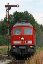 BR 233/94420/die-233-662-6-bei-der-einfahrt Die 233 662-6 bei der Einfahrt in Tüssling am 02,08,10