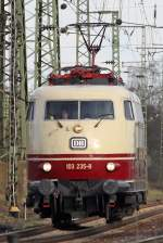 Die 103 235-8 in Gremberg am 02,04,10
