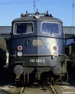 br-110-e10/147163/so-muss-eine-buegelfalten-e10-aussehen-110 So muss eine 'Bügelfalten-E10' aussehen: 110 460 fotografiert am 1.11.1984 im Bw Hamm